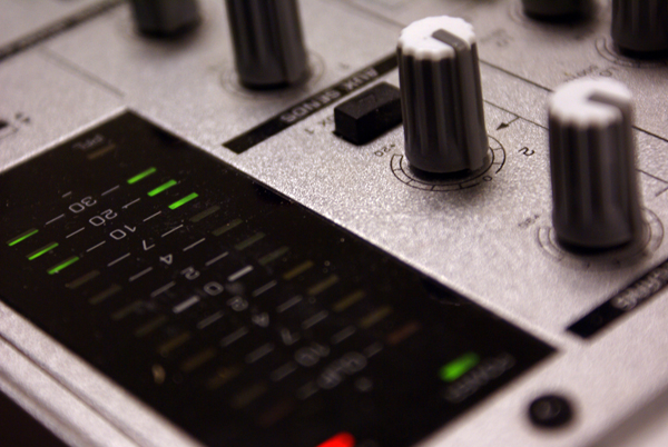 Sounds maker